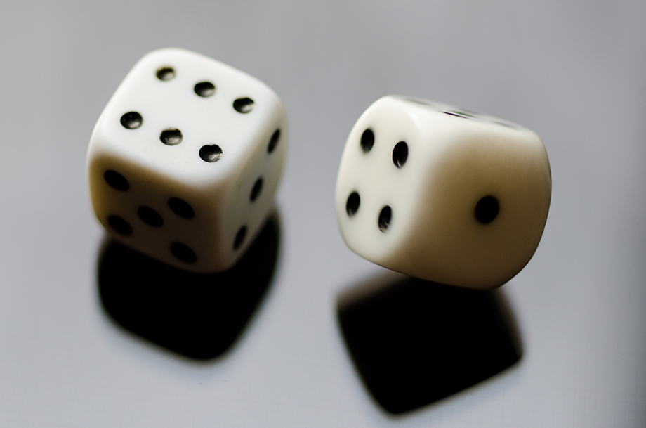 When selecting invoice software, it shouldn't be a roll of the dice. Base your choice on a few important factors.